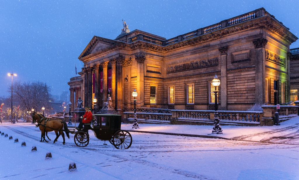 """""""Horse and Carriage"""" in the snow, outside the Walker Art Gallery, Liverpool"""